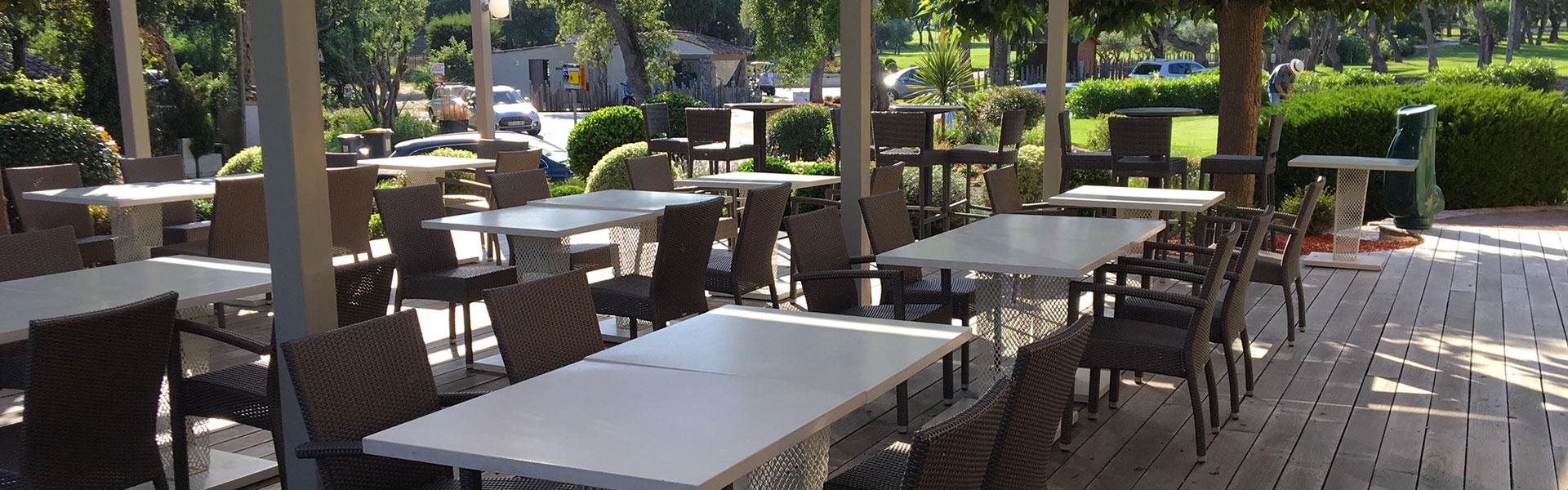 Club House Golf de Beauvallon restaurant Grimaud Golfe de Saint Tropez vue terrasse