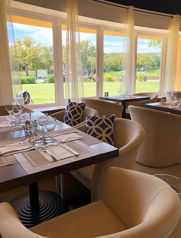Club House Restaurant - Grimaud - Golf de Beauvallon - salle intérieure - réserver -visuel