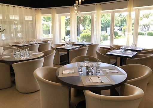 Club House Restaurant - Grimaud - Golf de Beauvallon - salle intérieure - visuel 1