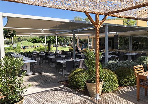 Club House Restaurant - Grimaud - Golf de Beauvallon - terrasse visuel extérieur