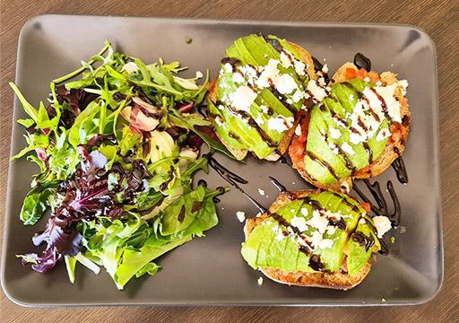 Club House Restaurant - carte menu 2021 - plat - avocado toast visuel