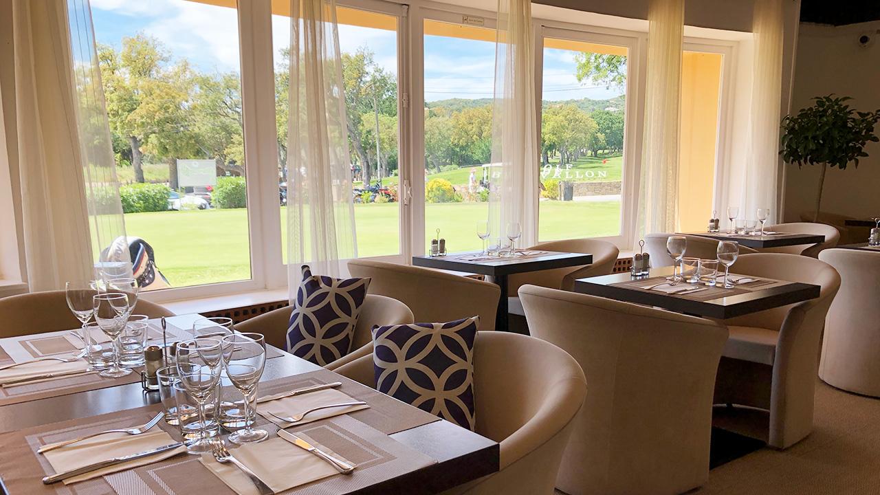 Club House Restaurant - Grimaud - Golf de Beauvallon - salle intérieure visuel
