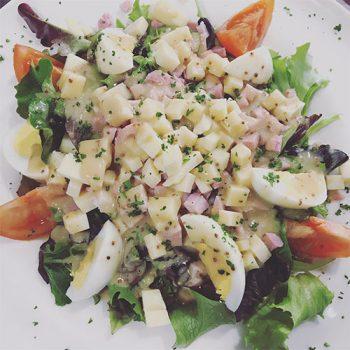 Restaurant Club House Golf de Beauvallon moelleux salade du golfeur